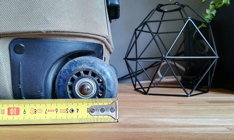 luggage wheel with measure tape