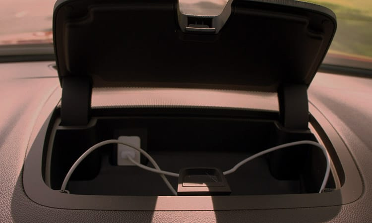 smart luggage with usb ports charging phone